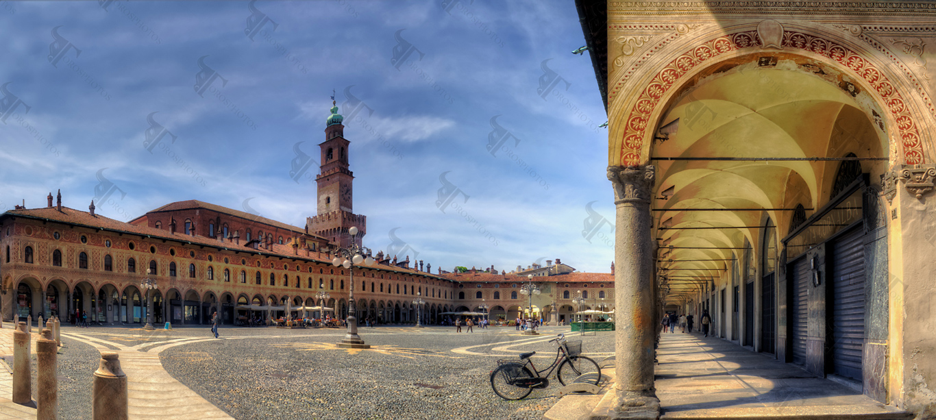 Vigevano and its magnificent square (Piazza Ducale) surrounded by a ...: www.torosphotos.com/photos/italian-cities/vigevano-ducal-square...