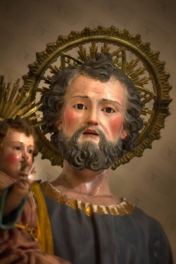St Joseph statue was engraved in a single piece of wood and then painted with oil colors.