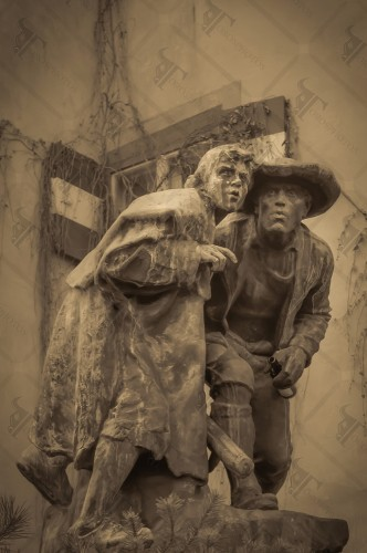 Conspirators, Plattner statue in Innsbruck depicting a father and the son in commemoration of the wars against the French Army under Napoleon.