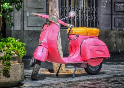 Pink Vespa Special, unique color and unmistakable design. The dream started in the fifties but its charm will continue unchanged.